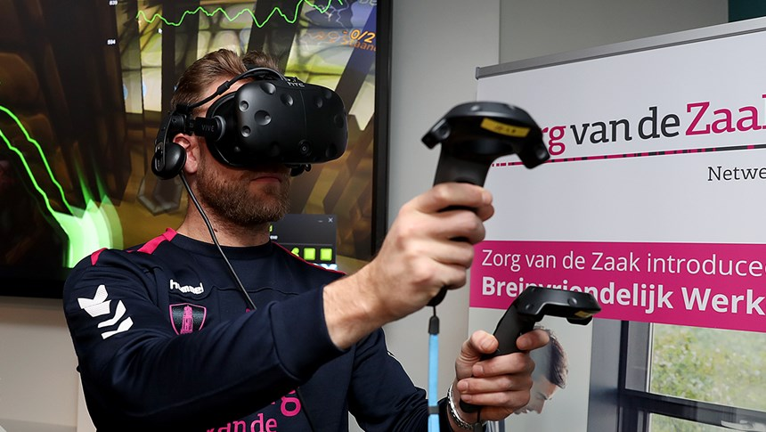 FC Utrecht-spelers trainen stressvaardigheid via virtual reality game stressjam